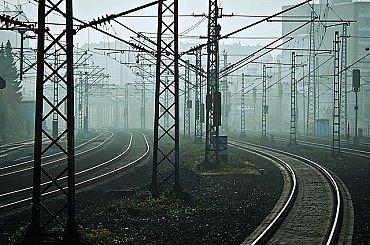 Vlaky poháněné rostlinným olejem naložené hybridy od Toyoty. Z Velké Británie pravidelně zamíří i do České republiky